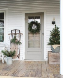 25+ Awesome Farmhouse Exterior Front Door Ideas (23)