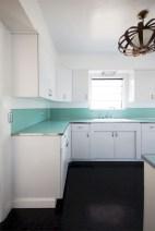 36+ Stunning Design Vintage Kitchens Ideas Remodel (17)