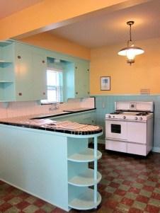 36+ Stunning Design Vintage Kitchens Ideas Remodel (18)