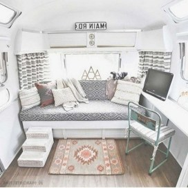38+ Cozy RV Living Tips to Make Your Road Trips Awesome (1)
