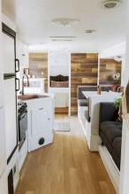 45+ Marvelous Rural Modern RV Tour Remodel Ideas (3)