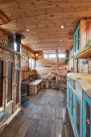 45+ Marvelous Rural Modern RV Tour Remodel Ideas (43)