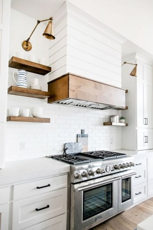 50+ Amazing Modern Farmhouse Kitchen Cabinets Decor Ideas 12