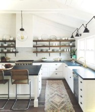 50+ Amazing Modern Farmhouse Kitchen Cabinets Decor Ideas 27