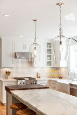 50+ Amazing Modern Farmhouse Kitchen Cabinets Decor Ideas 40