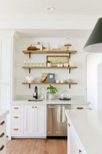 50+ Amazing Modern Farmhouse Kitchen Cabinets Decor Ideas 46