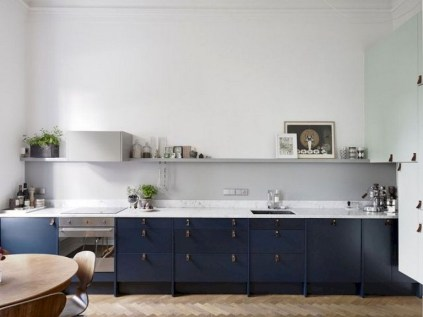 70+ Amazing Farmhouse Gray Kitchen Cabinet Design Ideas 31