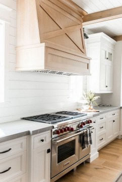 75+ Rustic Farmhouse Style Kitchen Makeover Ideas 13