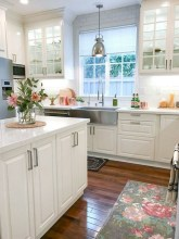 75+ Rustic Farmhouse Style Kitchen Makeover Ideas 50