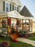 Astonishinh Farmhouse Front Porch Design Ideas 07