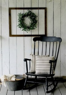 Astonishinh Farmhouse Front Porch Design Ideas 22
