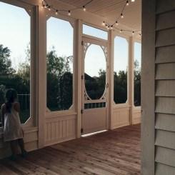 Astonishinh Farmhouse Front Porch Design Ideas 70