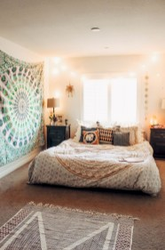 30+ Stunning Bohemian Bedroom Decor For Small Space (18)