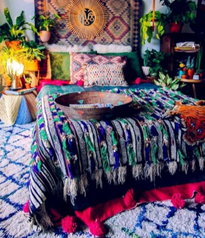 30+ Stunning Bohemian Bedroom Decor For Small Space (21)