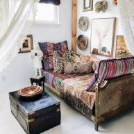 30+ Stunning Bohemian Bedroom Decor For Small Space (22)