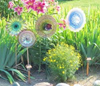 53+ Beautiful DIY Outdoor Garden Crafts Ideas to Make Your Garden More Beautiful (6)