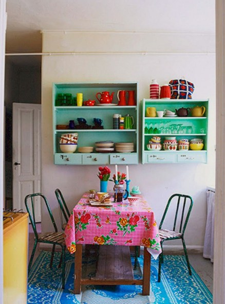 58+ Awesome Granny Chic Ideas for First Apartment Decorating On A Budget (30)