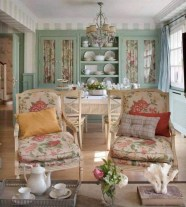 58+ Awesome Granny Chic Ideas for First Apartment Decorating On A Budget (55)