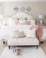58+ Rural Farmhouse Style Bedroom Decorating Ideas (11)