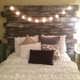 58+ Rural Farmhouse Style Bedroom Decorating Ideas (22)
