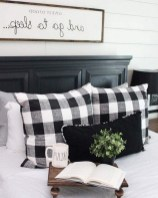 58+ Rural Farmhouse Style Bedroom Decorating Ideas (3)