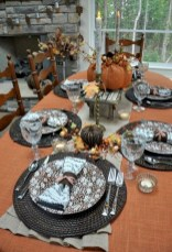 28+ Inspiring Turkey Decor Ideas for Your Thanksgiving Table (19)