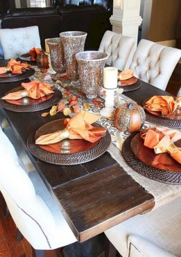 28+ Inspiring Turkey Decor Ideas for Your Thanksgiving Table (6)
