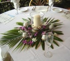 30+ Awesome Party Table Decorations Ideas For Your Special Moment (21)