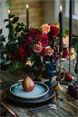 30+ Awesome Party Table Decorations Ideas For Your Special Moment (32)