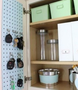 40+ Brilliant Ways To Organize Your Home With Pegboards (27)