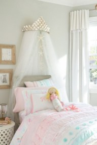 36+ Sweet Mermaid Themes Bedroom Ideas For Your Children (4)