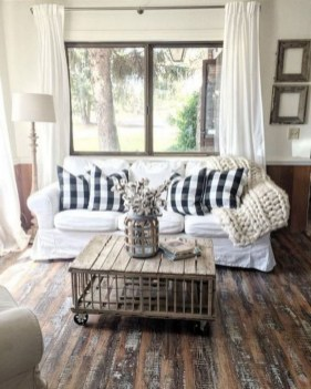 43+ The Top Family Living Room Decoration Ideas (35)