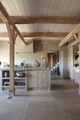 45+ Amazing Interior Design Ideas With Farmhouse Style (21)