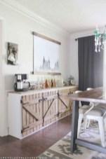 75+ Stuning Farmhouse Dining Room Decor Ideas 19