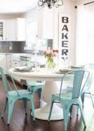 75+ Stuning Farmhouse Dining Room Decor Ideas 36