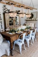 75+ Stuning Farmhouse Dining Room Decor Ideas 49