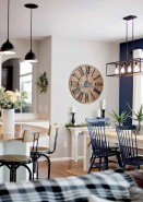 75+ Stuning Farmhouse Dining Room Decor Ideas 56