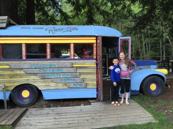 Big Sur River Inn Old Fashioned Snack Bus