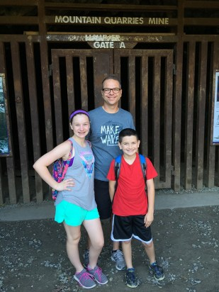 Easy Family Hike to Hawver Cave Near Auburn, California