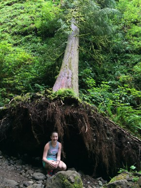 Hiking With Kids to Fairy Falls Oregon