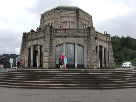 Vista House Historic Observatory On The Columbia River Highway