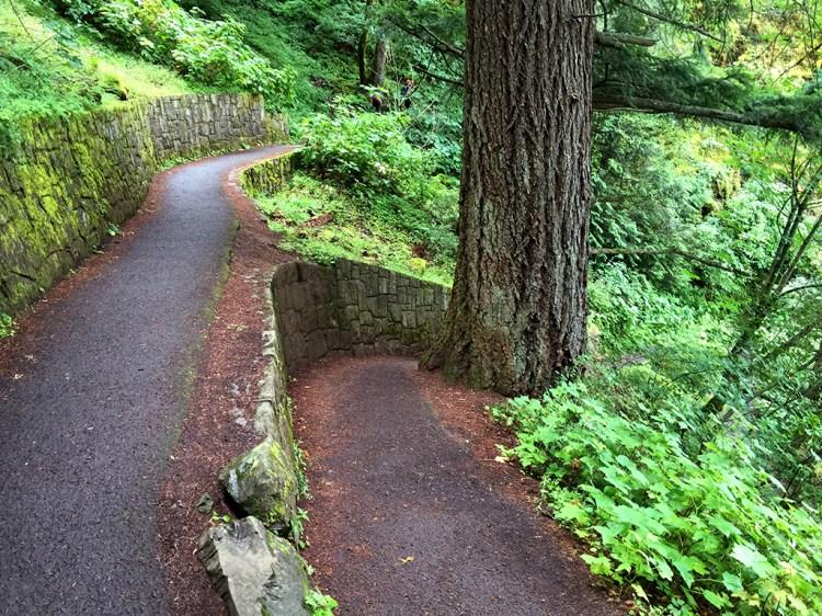 Wahkeena Falls Trail Switchbacks