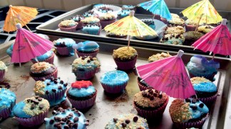 Kids Decorate Cupcakes