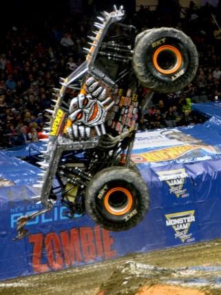 MAX-D Monster Jam Jumps