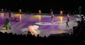 Rex and Hamm Join The Toy Story Gang for Disney On Ice