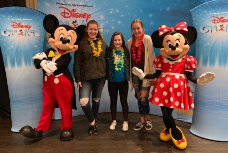 Mickey and Minnie Photo Op at Disney On Ice