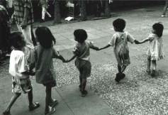 kids_holding_hands