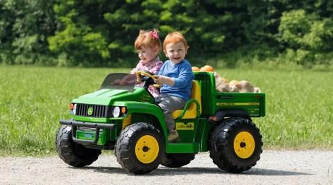 Brinquedo não tem gênero: carrinho também é coisa de menina