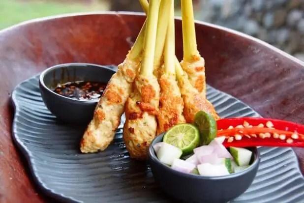 Wisata Kuliner Makanan khas Bali yang enak dan cocok untuk oleh-oleh