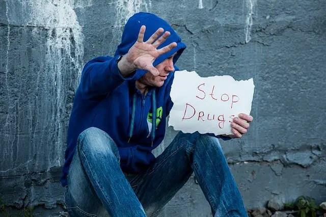 Contoh pidato bahasa inggris singkat dan artinya tentang narkoba
